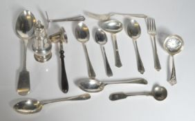 COLLECTION OF HALLMARKED STERLING SILVER ITEMS