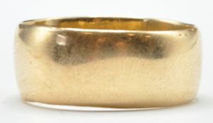 STAMPED 18CT GOLD RING BAND
