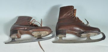 PAIR OF EARLY 20TH CENTURY VINTAGE LADIES BROWN LEATHER ICE SKATES