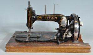 ANIQUE EARLY 20TH CENTURY WINSELMANN TITAN SEWING MACHINE