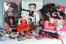 LARGE QUANTITY OF BETTY BOOP COLLECTORS ITEMS