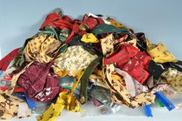 COLLECTION OF VINTAGE 1950S MENS TIES SCARVES AND CRAVATS INCLUDING SEVERAL TOOTAL EXAMPLES.