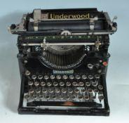 VINTAGE 20TH CENTURY UNDERWOOD TYPEWRITER
