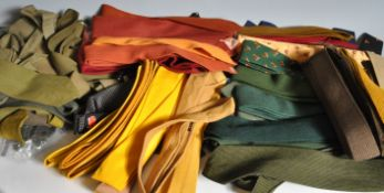 COLLECTION OF VINTAGE MENS SILK AND WOOL TIES.