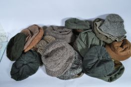 LARGE COLLECTION OF VINTAGE 20TH CENTURY TWEED HAT