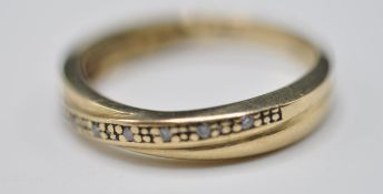 9CT GOLD AND DIAMOND CROSSOVER BAND RING