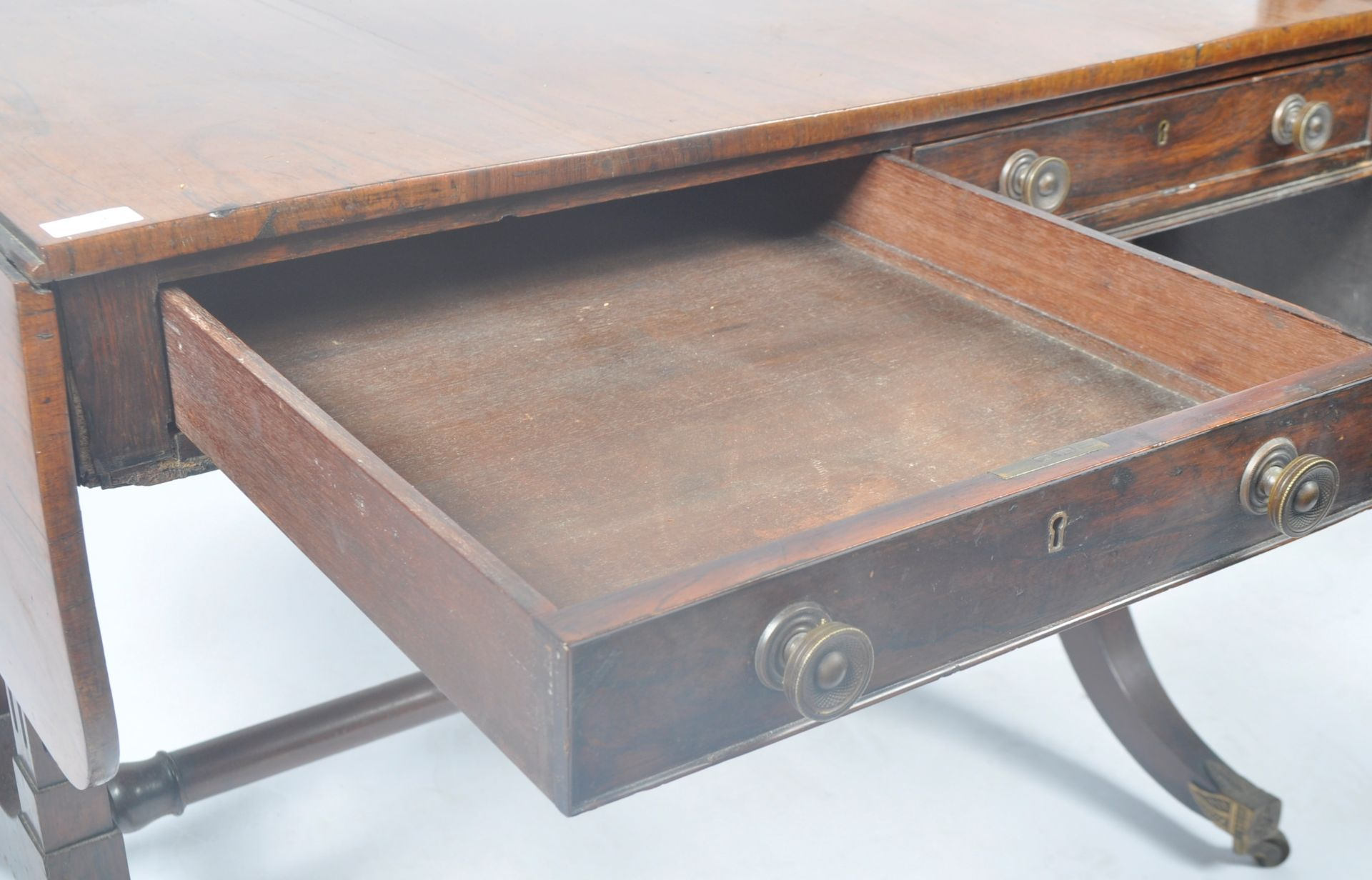 ANTIQUE ROSEWOOD REGENCY SOFA TABLE RETAILED BY HARRIS OF LONDON - Image 5 of 10