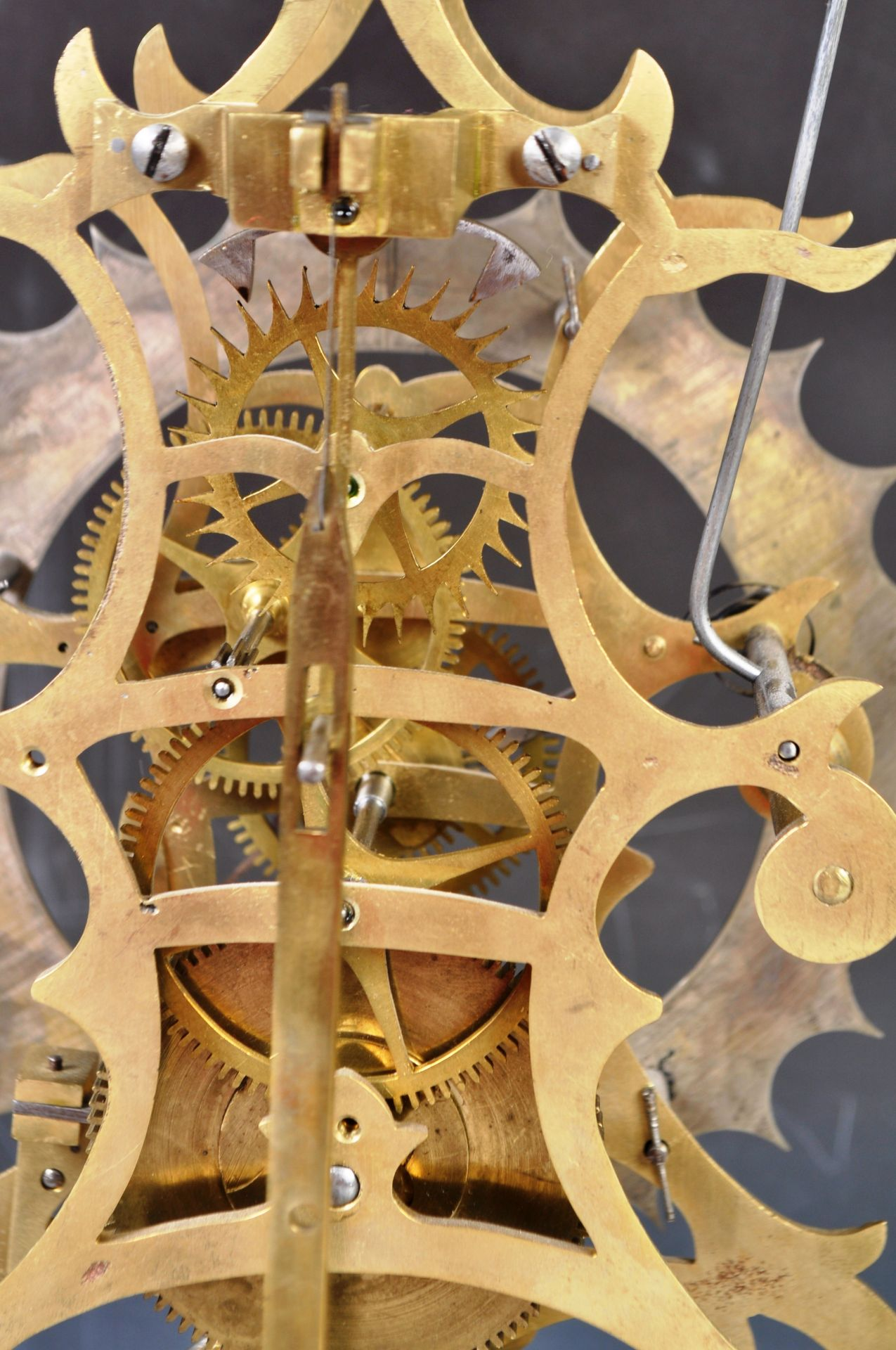 ANTIQUE MID 19TH CENTURY GOTHIC BRASS SKELETON CLOCK IN GLASS DOME - Image 12 of 13