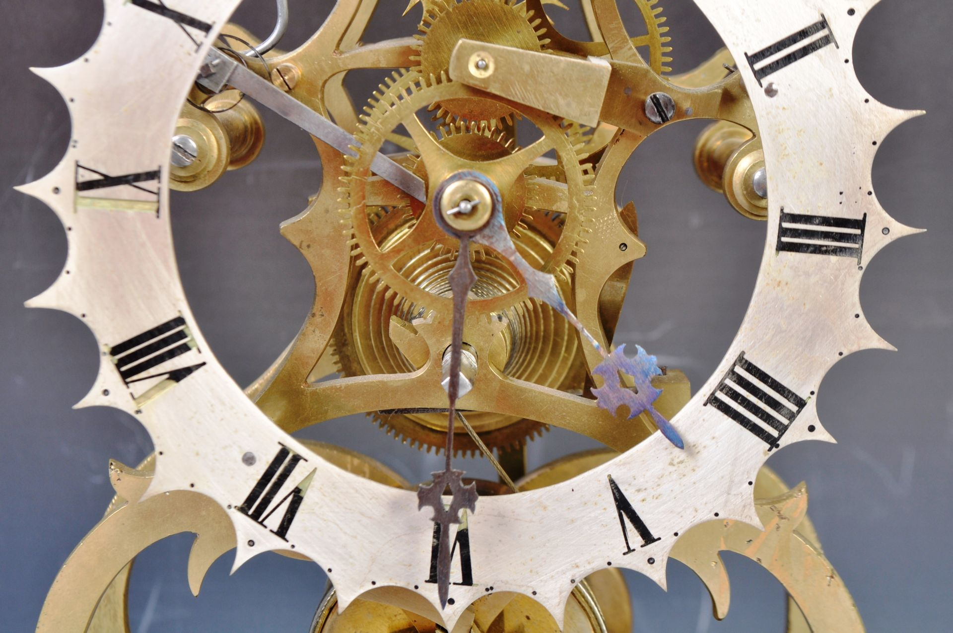 ANTIQUE MID 19TH CENTURY GOTHIC BRASS SKELETON CLOCK IN GLASS DOME - Image 7 of 13