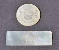 ANTIQUE CHINESE MOTHER OF PEARL HERALDIC CREST GAMING TOKEN