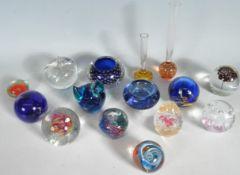 GROUP OF VINTAGE STUDIO ART GLASS