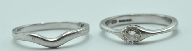 18CT WHITE GOLD AND DIAMOND RING AND 18CT GOLD BAND RING