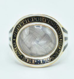 June Antiques and Collectables - Selected Jewellery Gold & Silver Auction