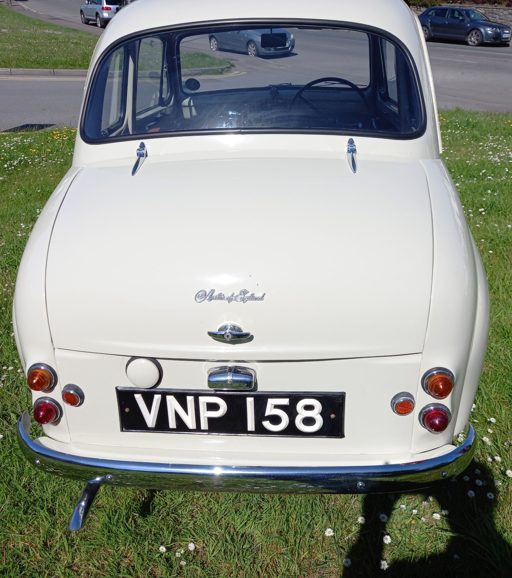 VNP 158 - 1958 AUSTIN A35 SALOON - 948CC - FULLY RESTORED CLASSIC CAR - Image 5 of 24