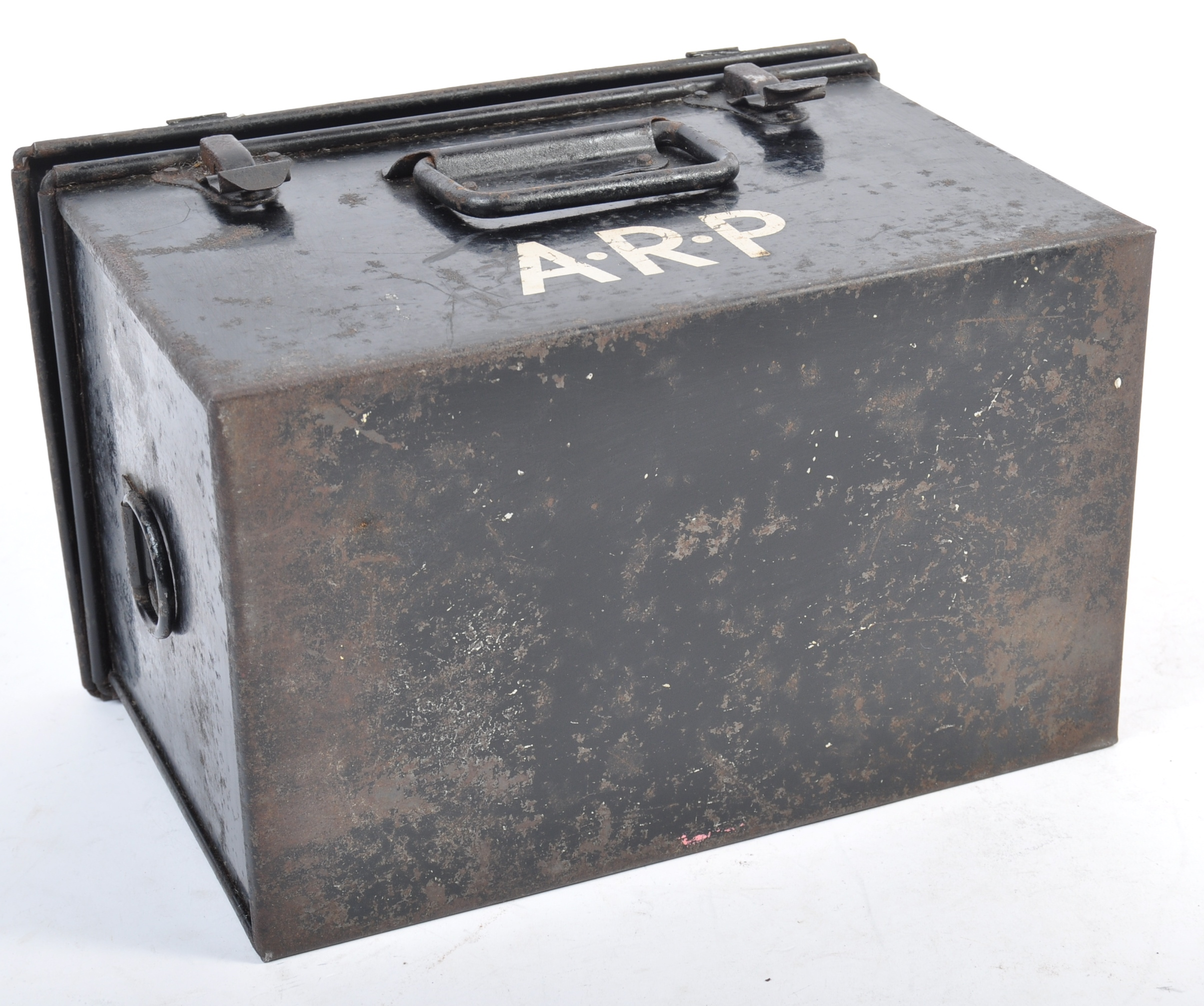 ORIGINAL WWII SECOND WORLD WAR AIR RAID PRECAUTIONS FIRST AID TIN - Image 8 of 8