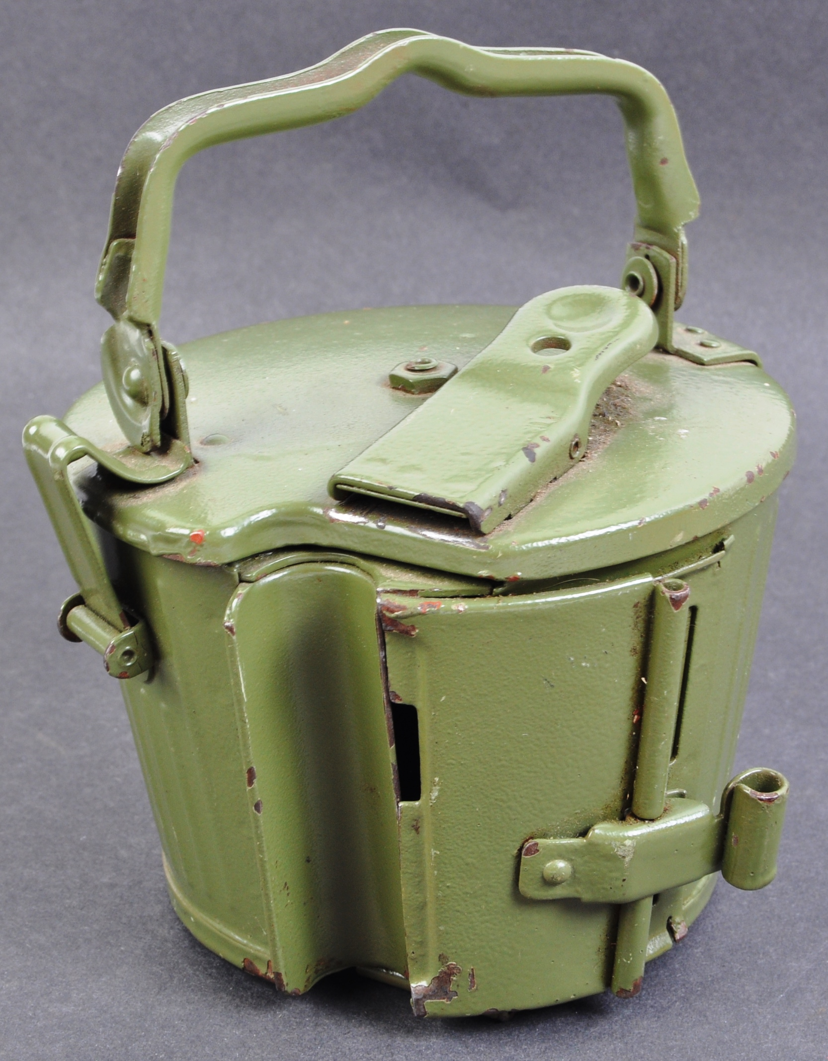 TWO WWII SECOND WORLD WAR TYPE GERMAN REPLICA ITEMS - Image 4 of 9