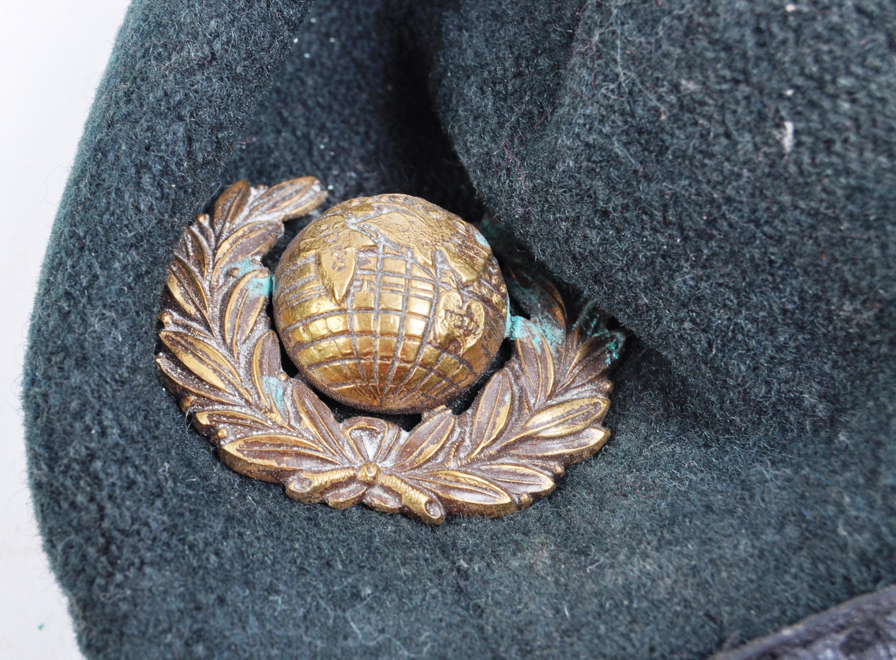 WWII ROYAL MARINE COMMANDO UNIFORM BERET & BADGE - Image 2 of 4