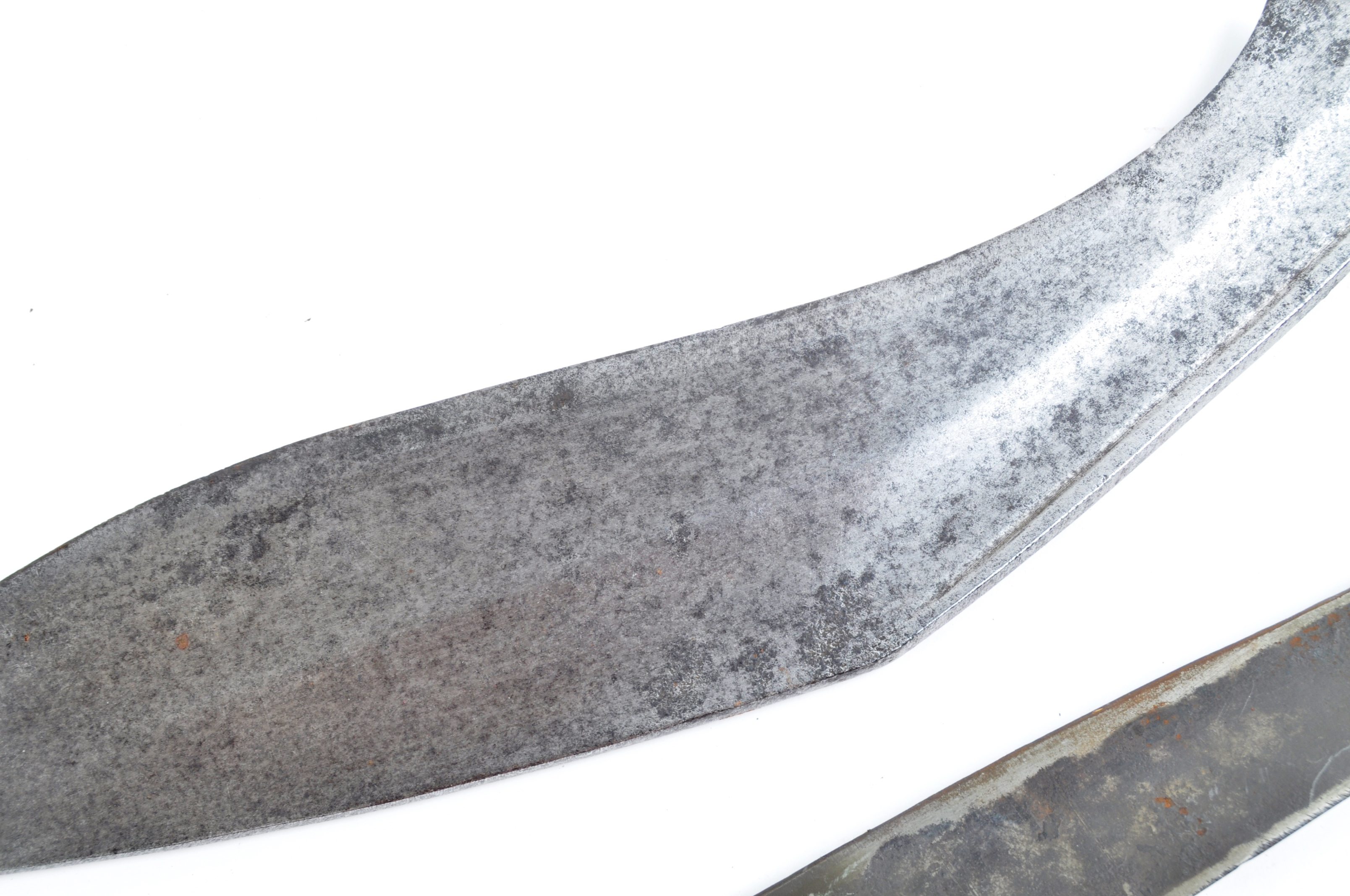 EDGED WEAPONS - COLLECTION OF KUKRI KNIVES / MACHETES - Image 10 of 11