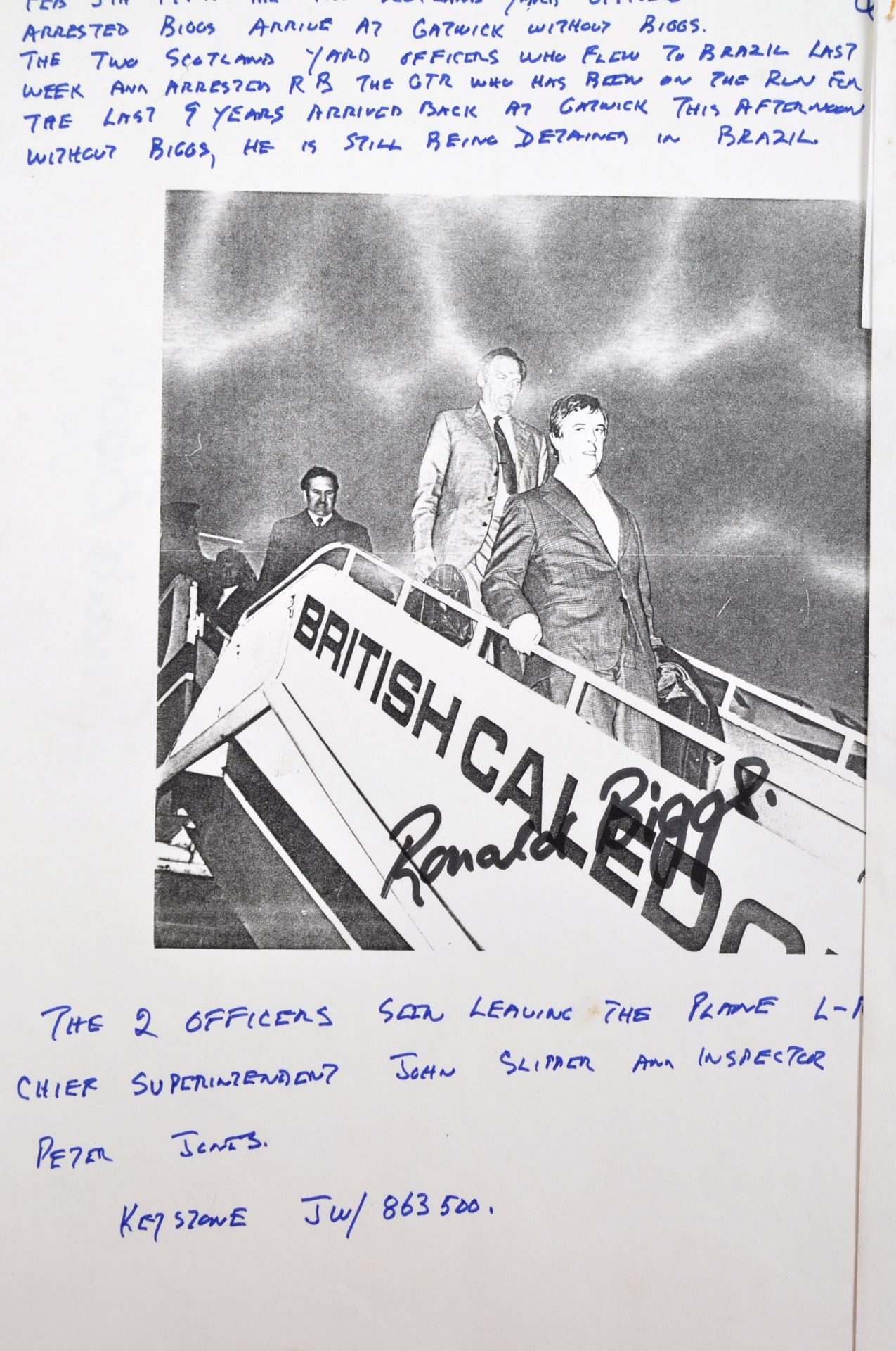 THE GREAT TRAIN ROBBERY - FROM A PRIVATE COLLECTION - Image 4 of 7