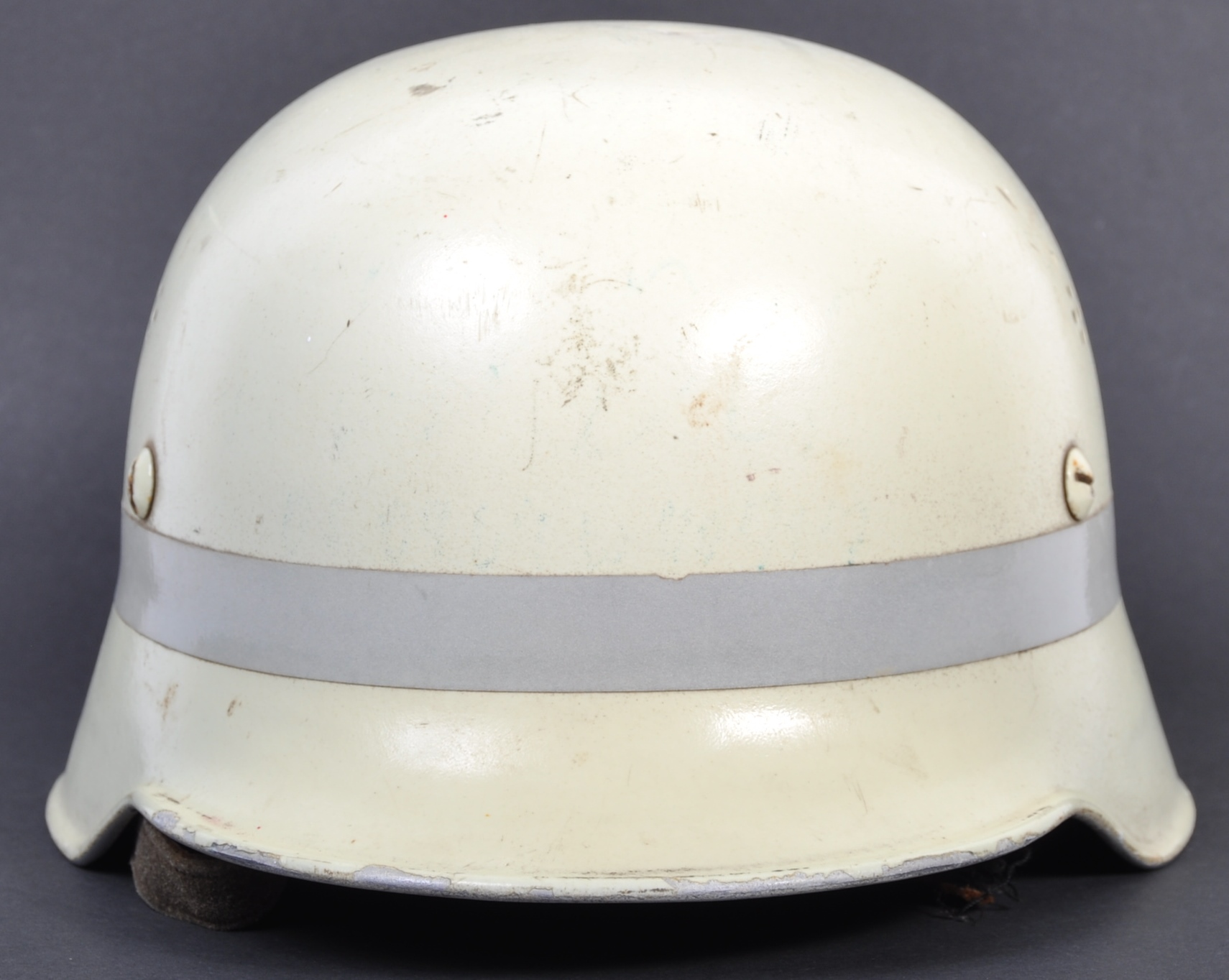 RARE POST-WWII GERMAN LUMINOUS FIRE FIGHTER'S HELM - Image 3 of 6