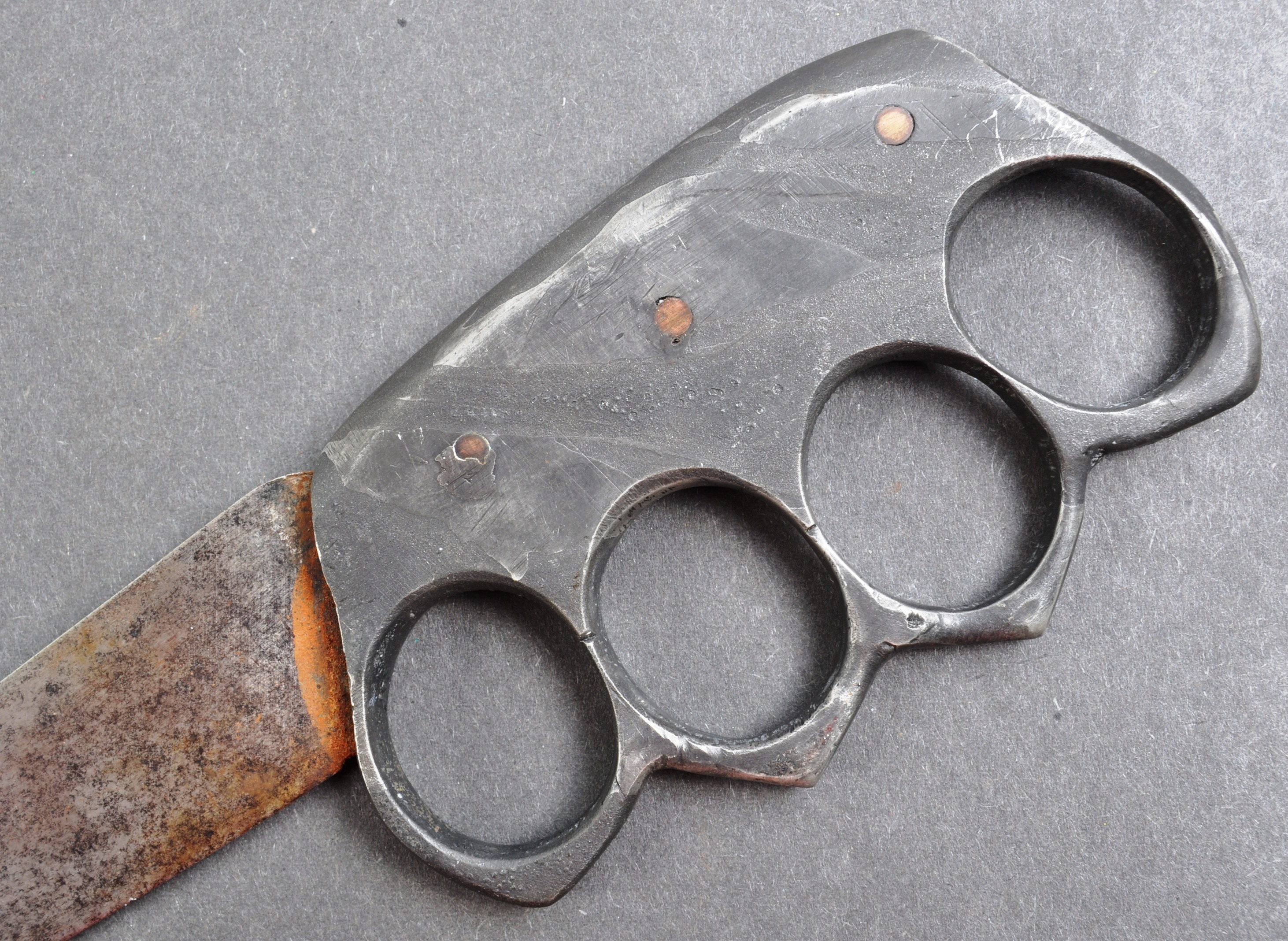 RARE WWI FIRST WORLD WAR TRENCH WARFARE KNUCKLEDUSTER KNIFE - Image 4 of 5