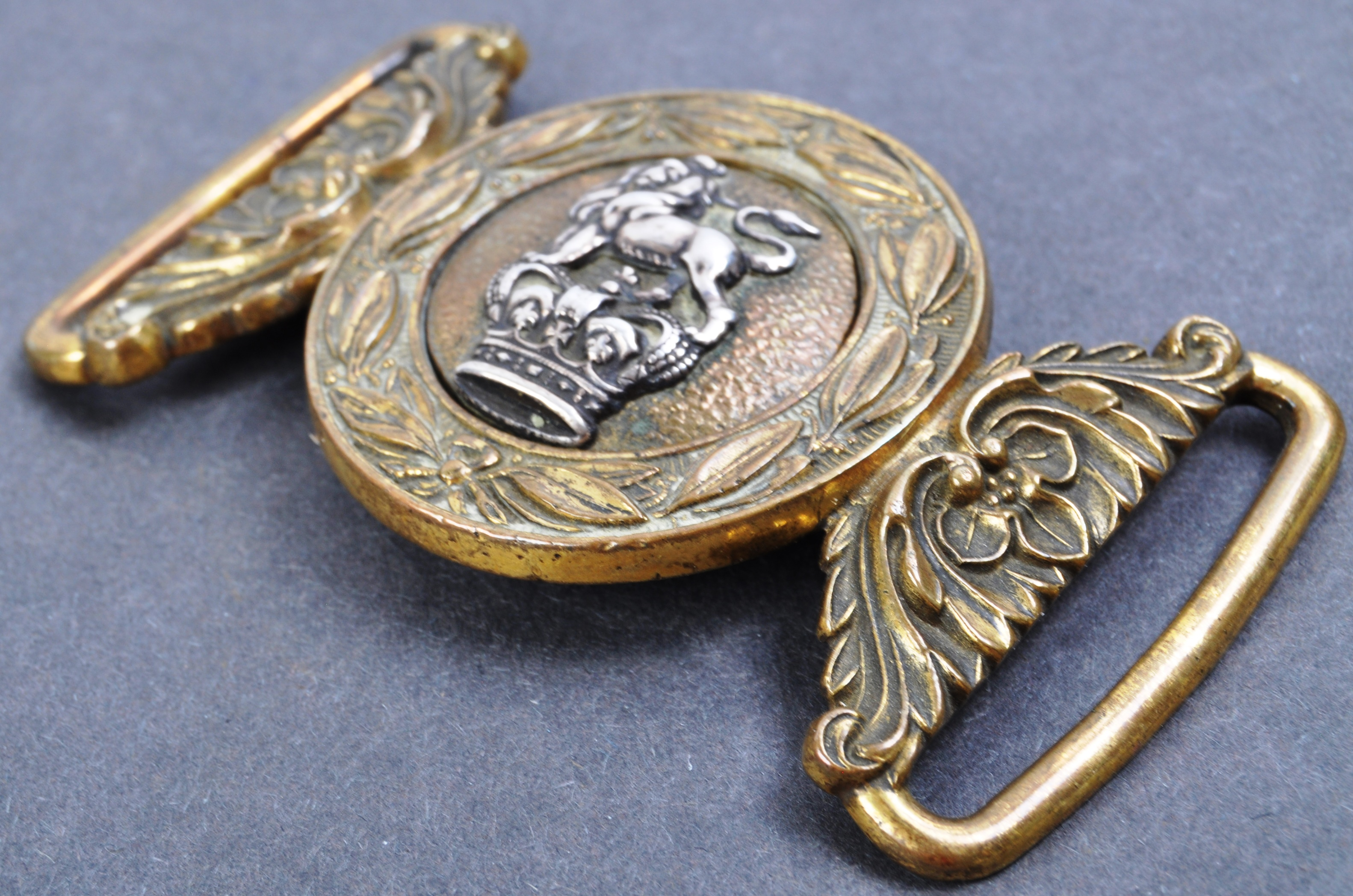19TH CENTURY VICTORIAN BRITISH ARMY OFFICERS UNIFORM BELT BUCKLE - Image 4 of 4