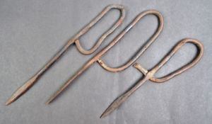 WWI FIRST WORLD WAR - THREE 'FRENCH NAIL' TRENCH DAGGERS