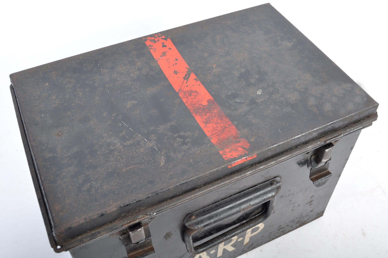 ORIGINAL WWII SECOND WORLD WAR AIR RAID PRECAUTIONS FIRST AID TIN - Image 5 of 8