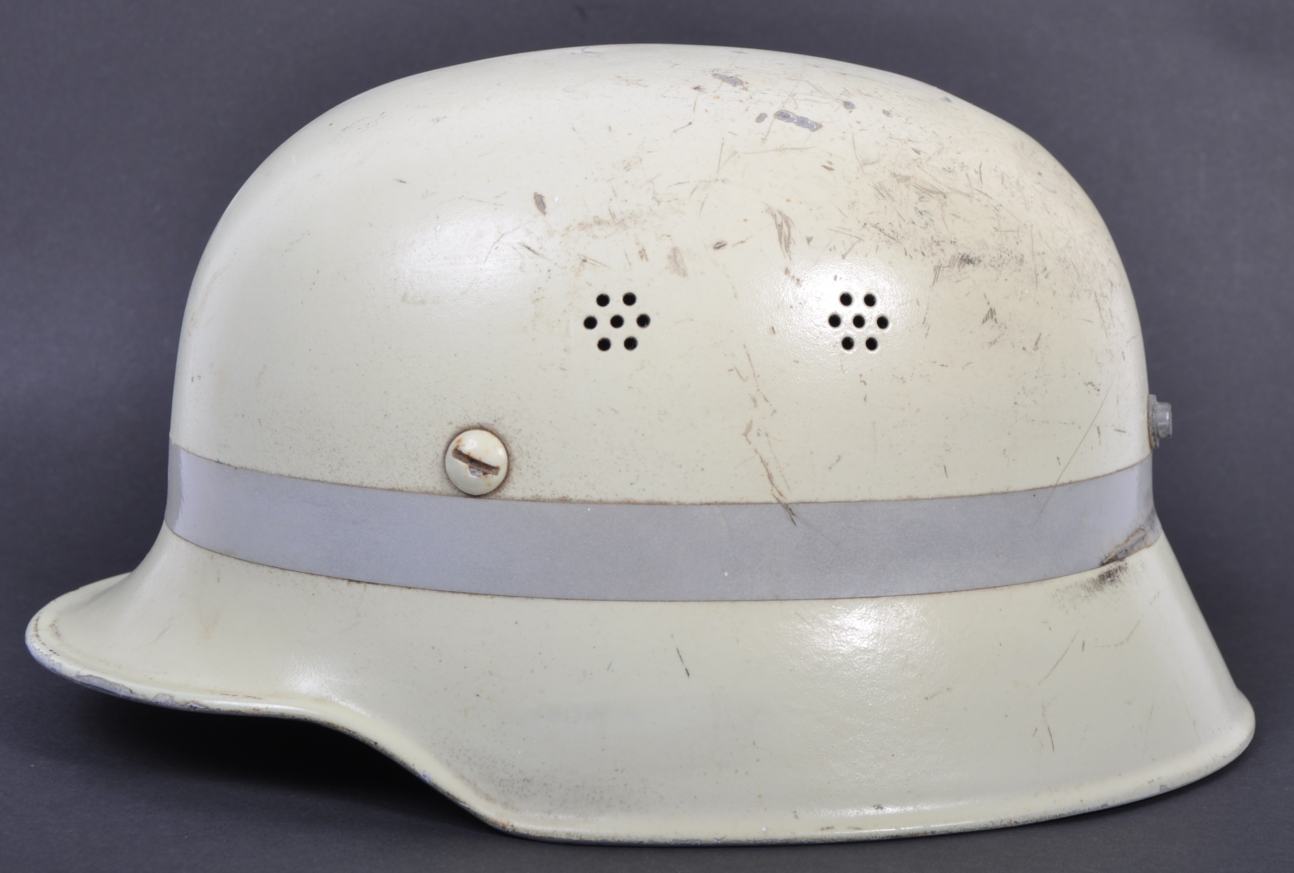 RARE POST-WWII GERMAN LUMINOUS FIRE FIGHTER'S HELM - Image 2 of 6
