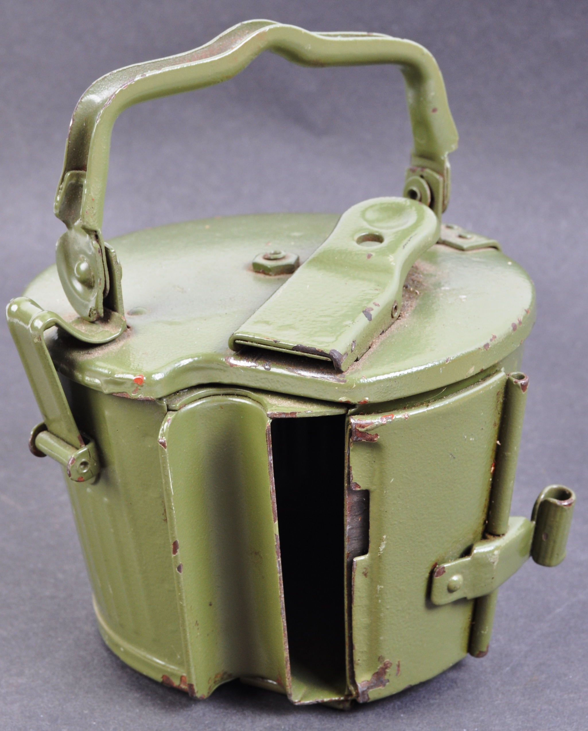 TWO WWII SECOND WORLD WAR TYPE GERMAN REPLICA ITEMS - Image 5 of 9