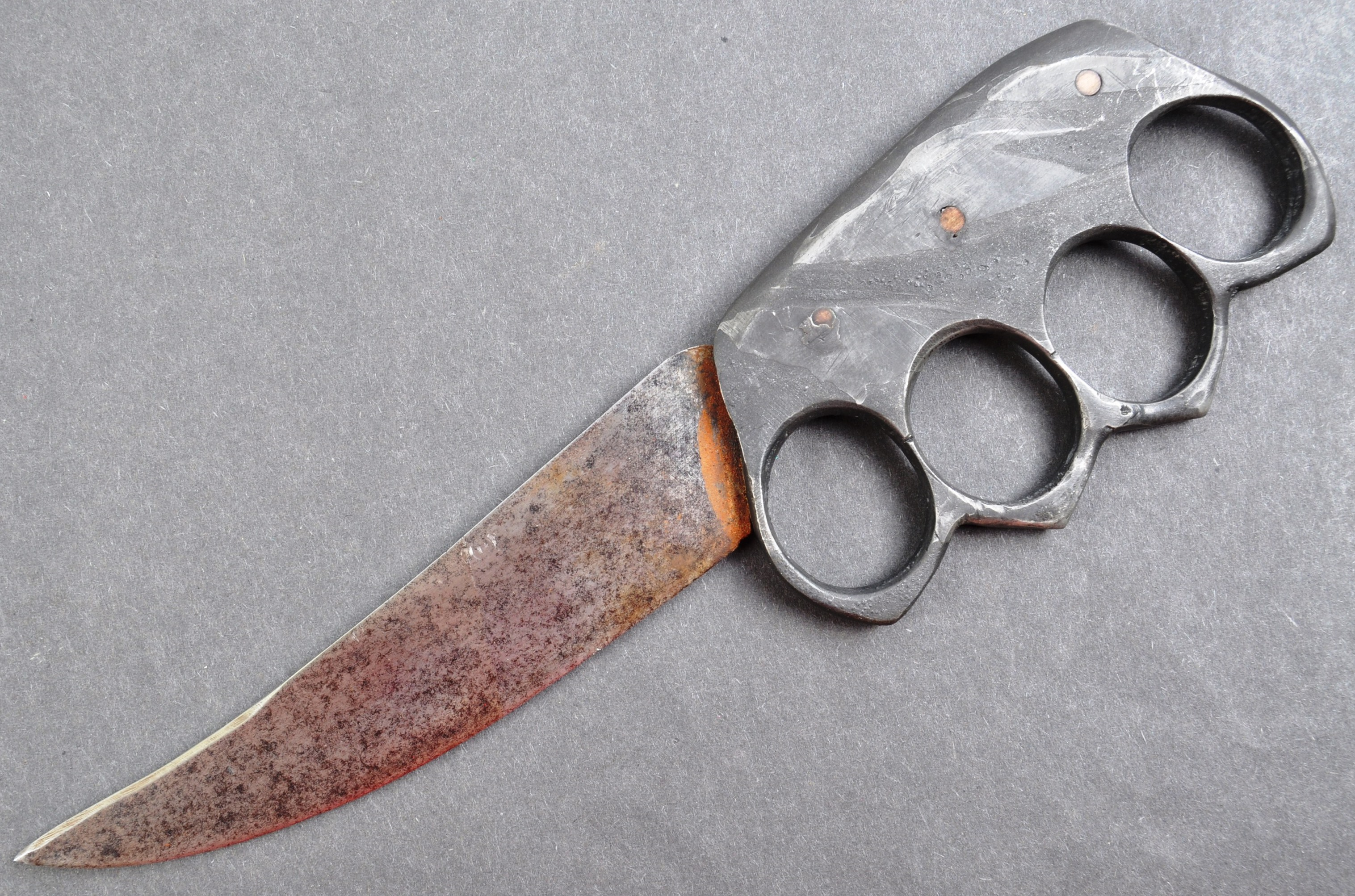 RARE WWI FIRST WORLD WAR TRENCH WARFARE KNUCKLEDUSTER KNIFE - Image 2 of 5