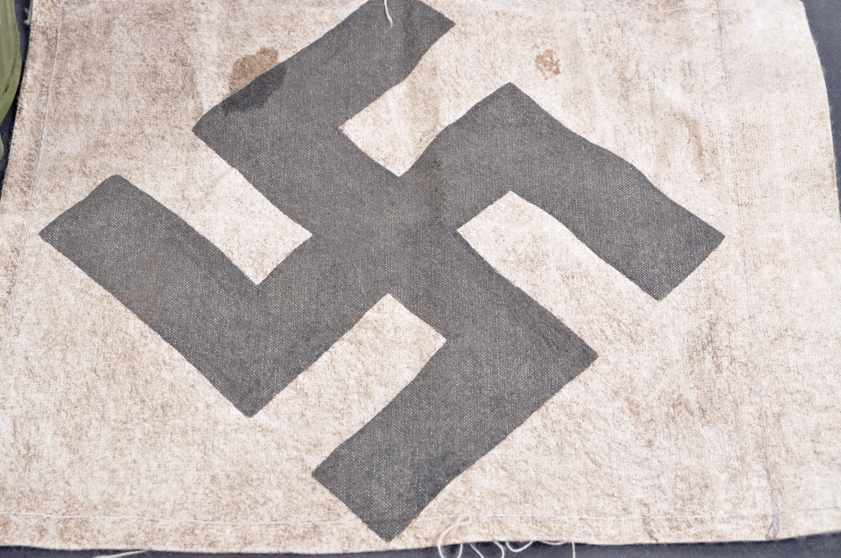 TWO WWII SECOND WORLD WAR TYPE GERMAN REPLICA ITEMS - Image 2 of 9