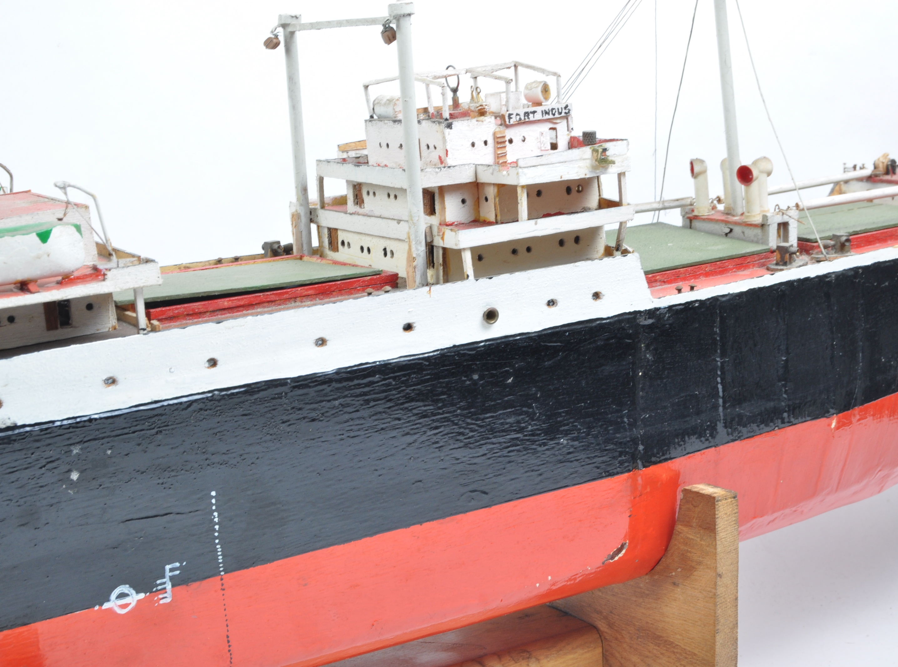 SHIPPING - RADIO CONTROLLED SCALE MODEL ' FORT INDUS ' CARGO SHIP - Image 11 of 11