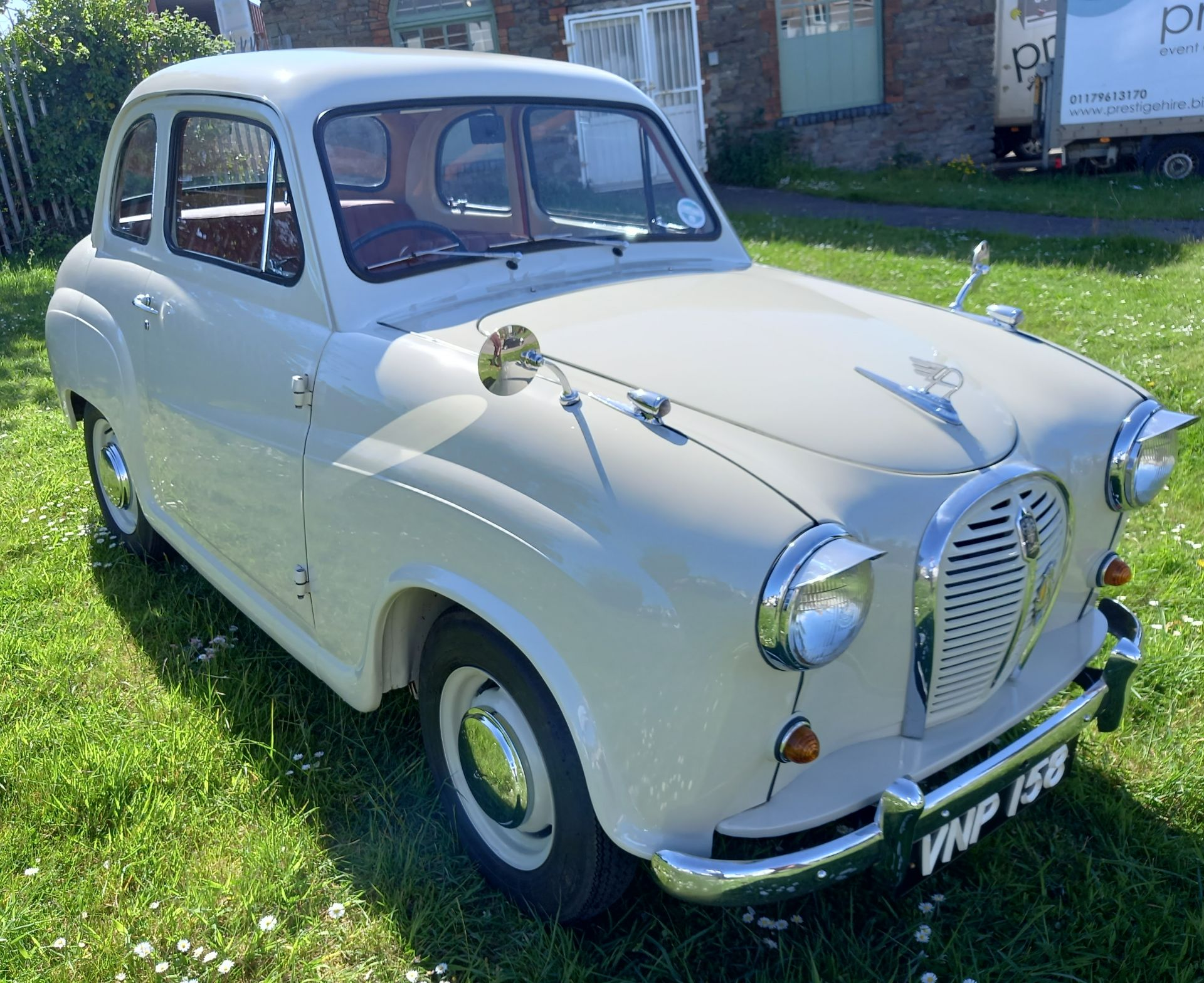 VNP 158 - 1958 AUSTIN A35 SALOON - 948CC - FULLY RESTORED CLASSIC CAR - Image 3 of 24