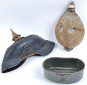 COLLECTION OF WWI FIRST WORLD WAR GERMAN UNIFORM ITEMS