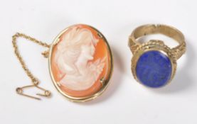 STAMPED 9CT GOLD CAMEO BROOCH TOGETHER WITH A LAPIS LAZULI RING