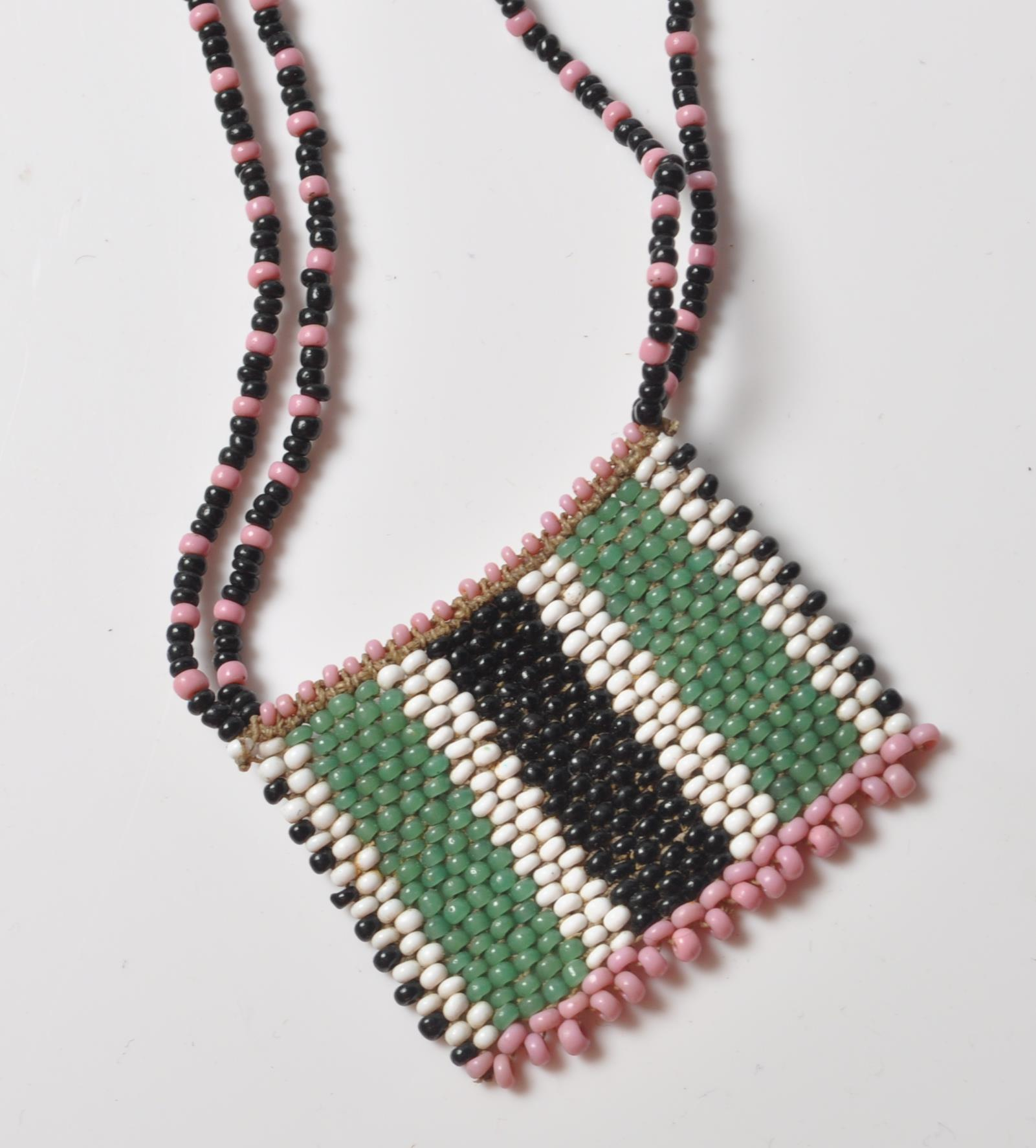 COLLECTION OF ZULU AFRICAN AND NATIVE AMERCIAN JEWELLERY. - Image 6 of 9