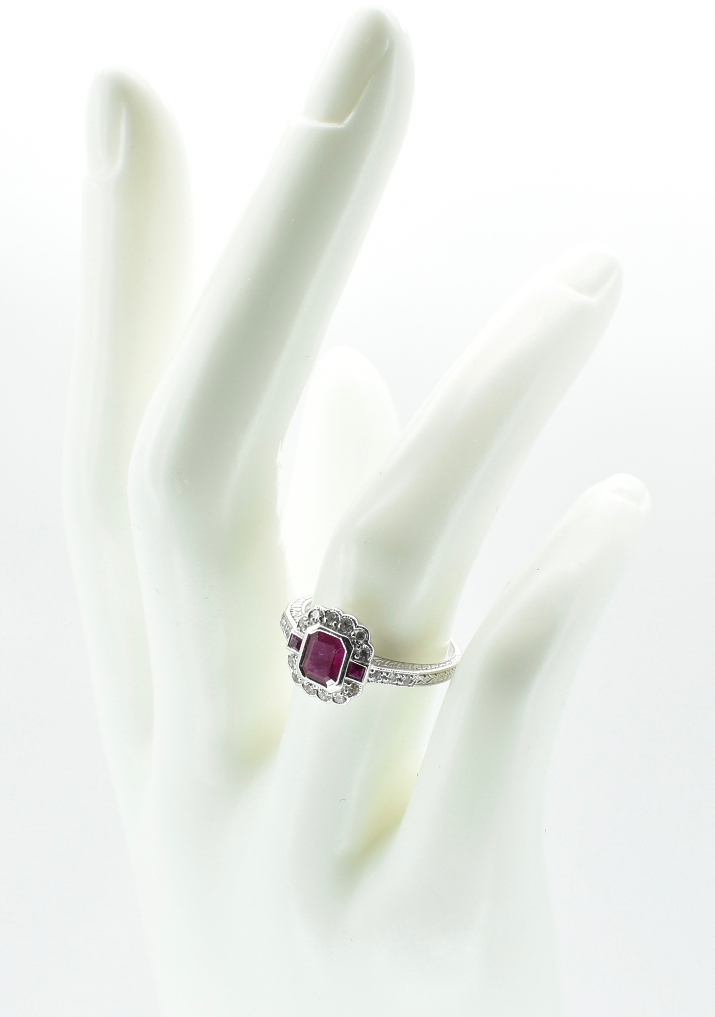 18CT WHITE GOLD RUBY & DIAMOND RING - Image 2 of 5