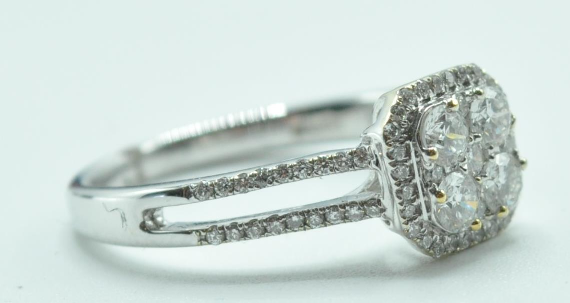 STAMPED 18K WHITE GOLD AND DIAMOND CLUSTER RING. - Image 7 of 8