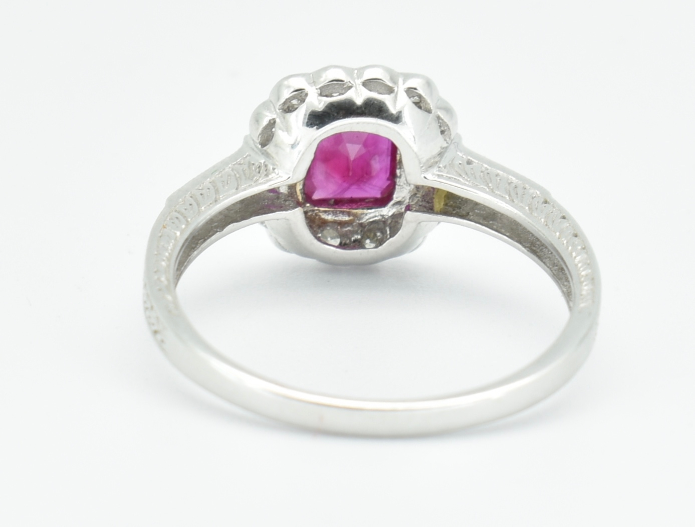 18CT WHITE GOLD RUBY & DIAMOND RING - Image 4 of 5