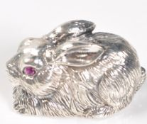 STAMPED STERLING SILVER BUNNY RABBIT FIGURE.