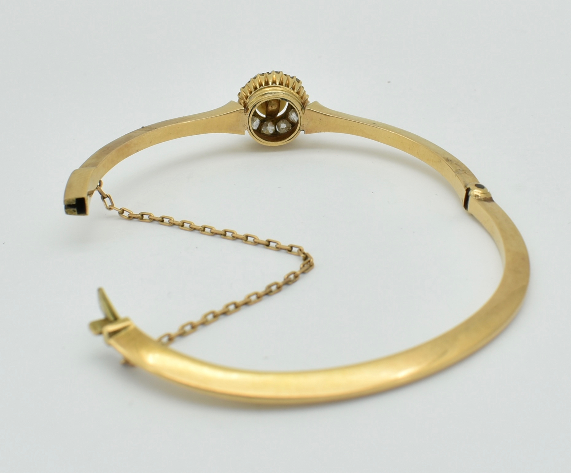 FRENCH 18CT GOLD DIAMOND & PEARL HINGED BANGLE - Image 6 of 6