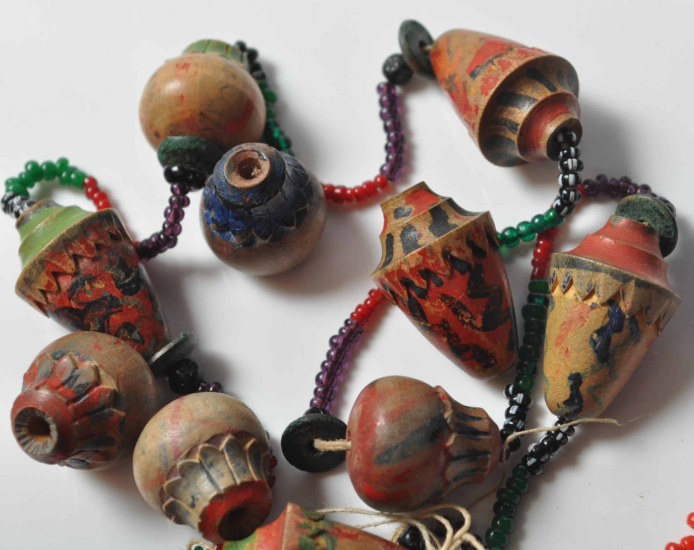 COLLECTION OF ZULU AFRICAN AND NATIVE AMERCIAN JEWELLERY. - Image 3 of 9