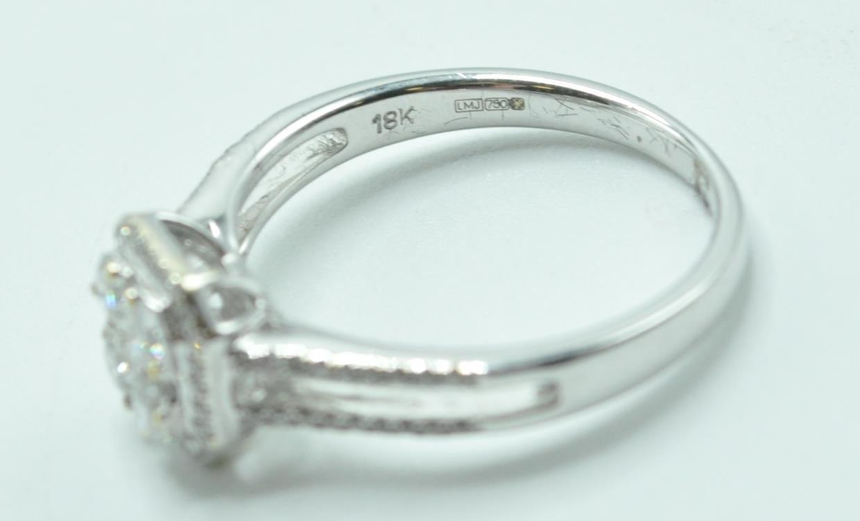 STAMPED 18K WHITE GOLD AND DIAMOND CLUSTER RING. - Image 3 of 8