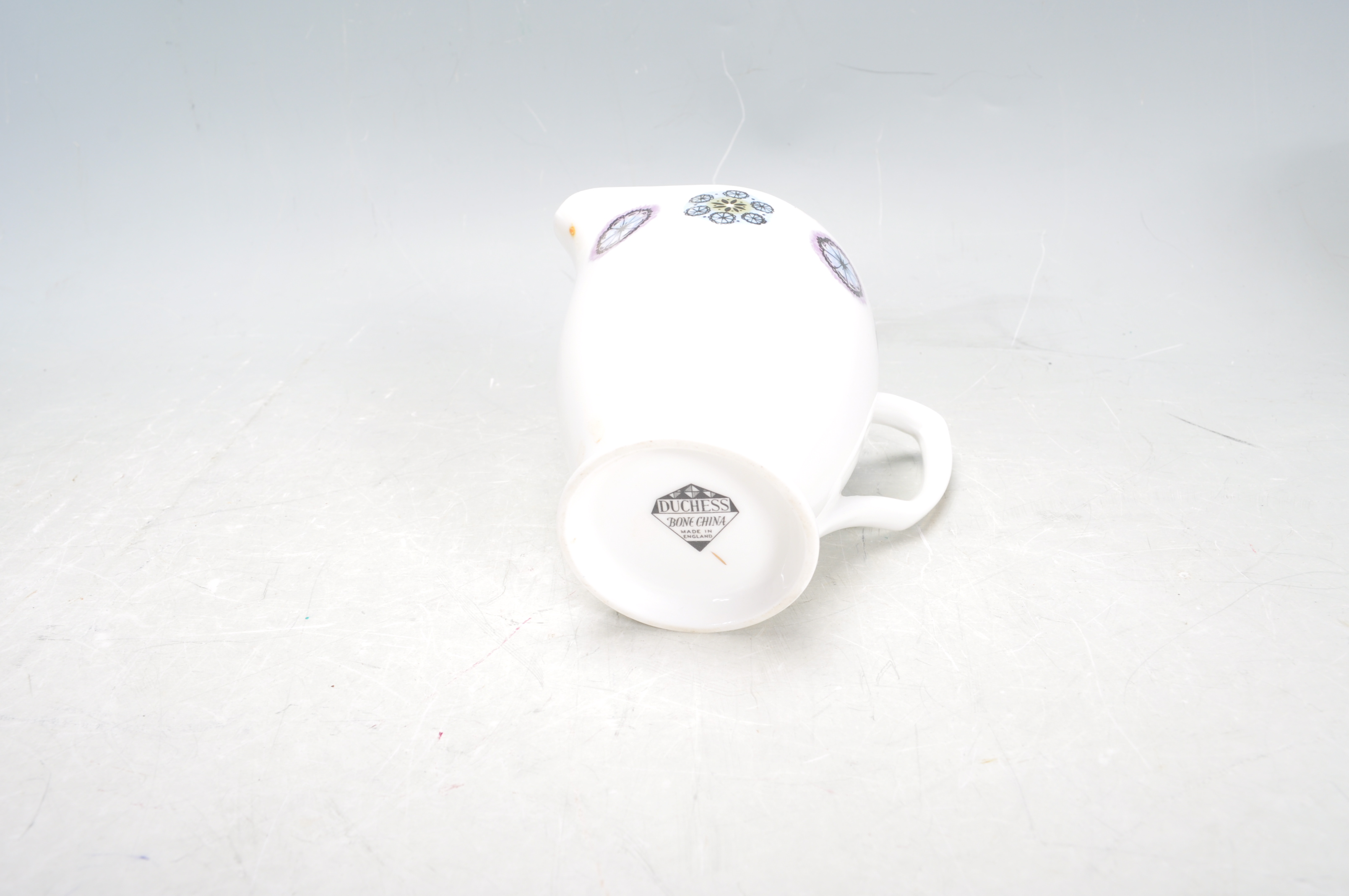RETRO TEA SERVICE BY DUCHESS - Image 7 of 9