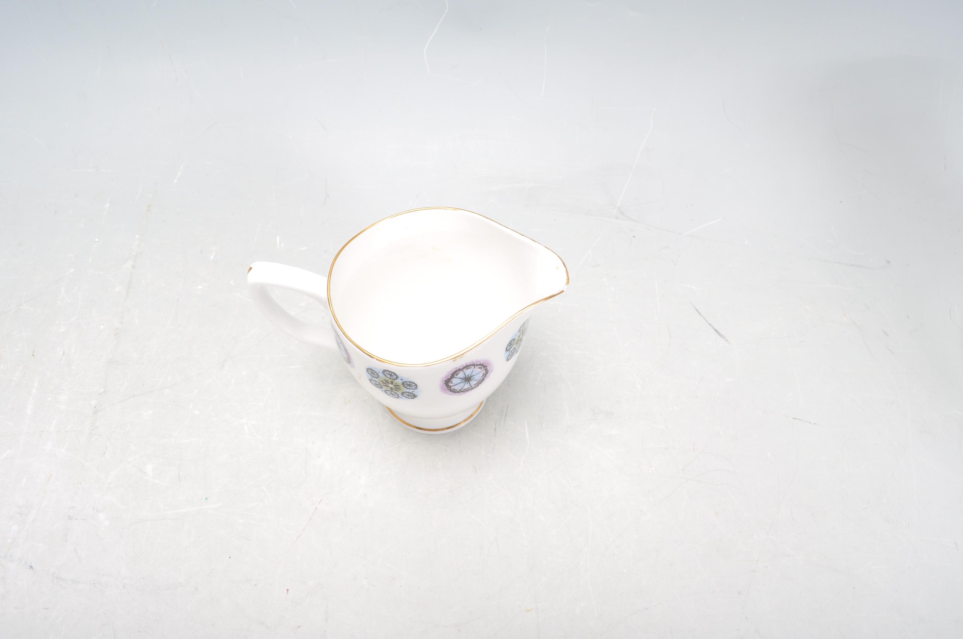 RETRO TEA SERVICE BY DUCHESS - Image 6 of 9