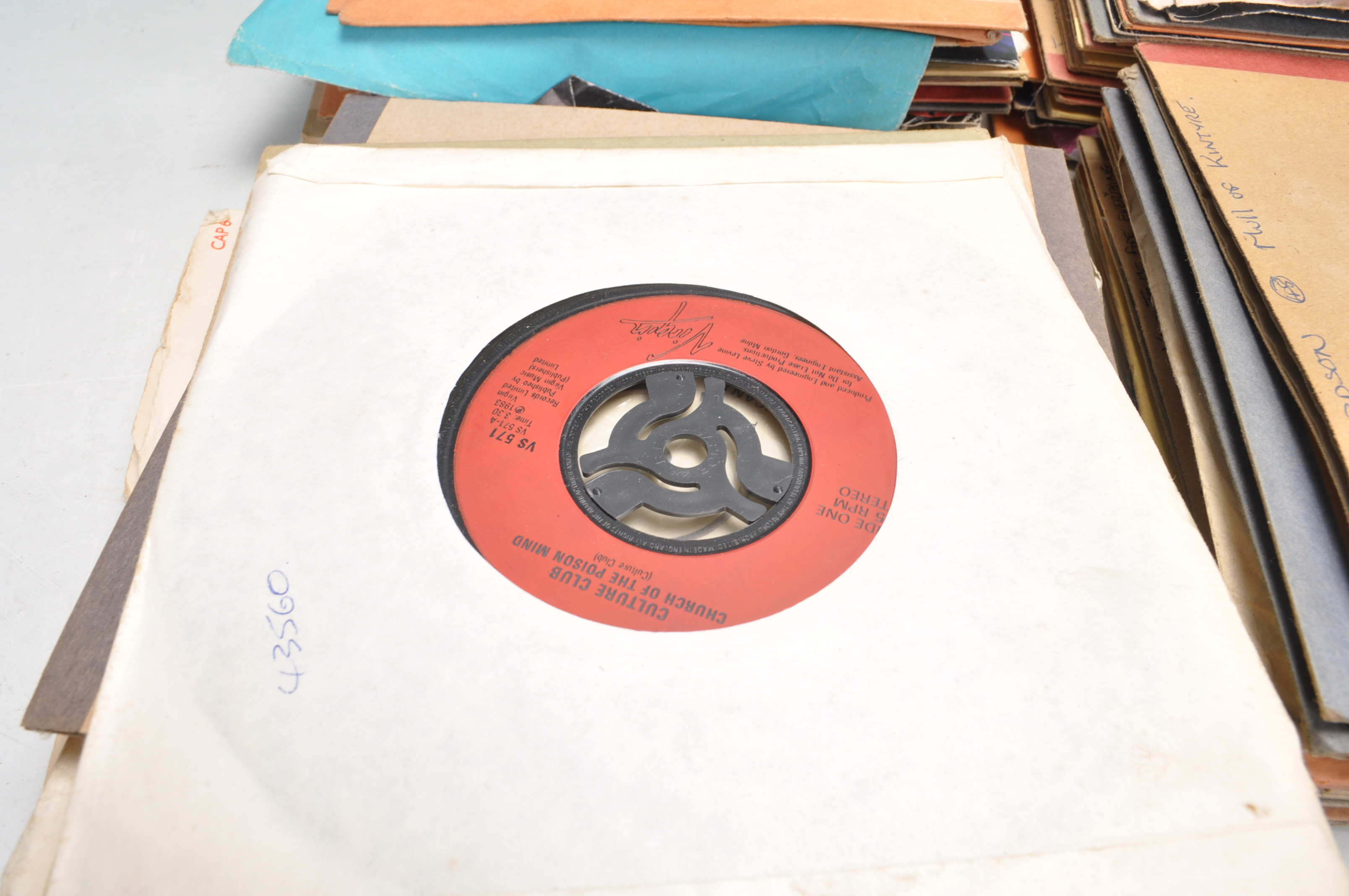 """LARGE COLLECTION OF VINTAGE VINYL 45RPM 7"""" SINGLES - Image 3 of 9"""