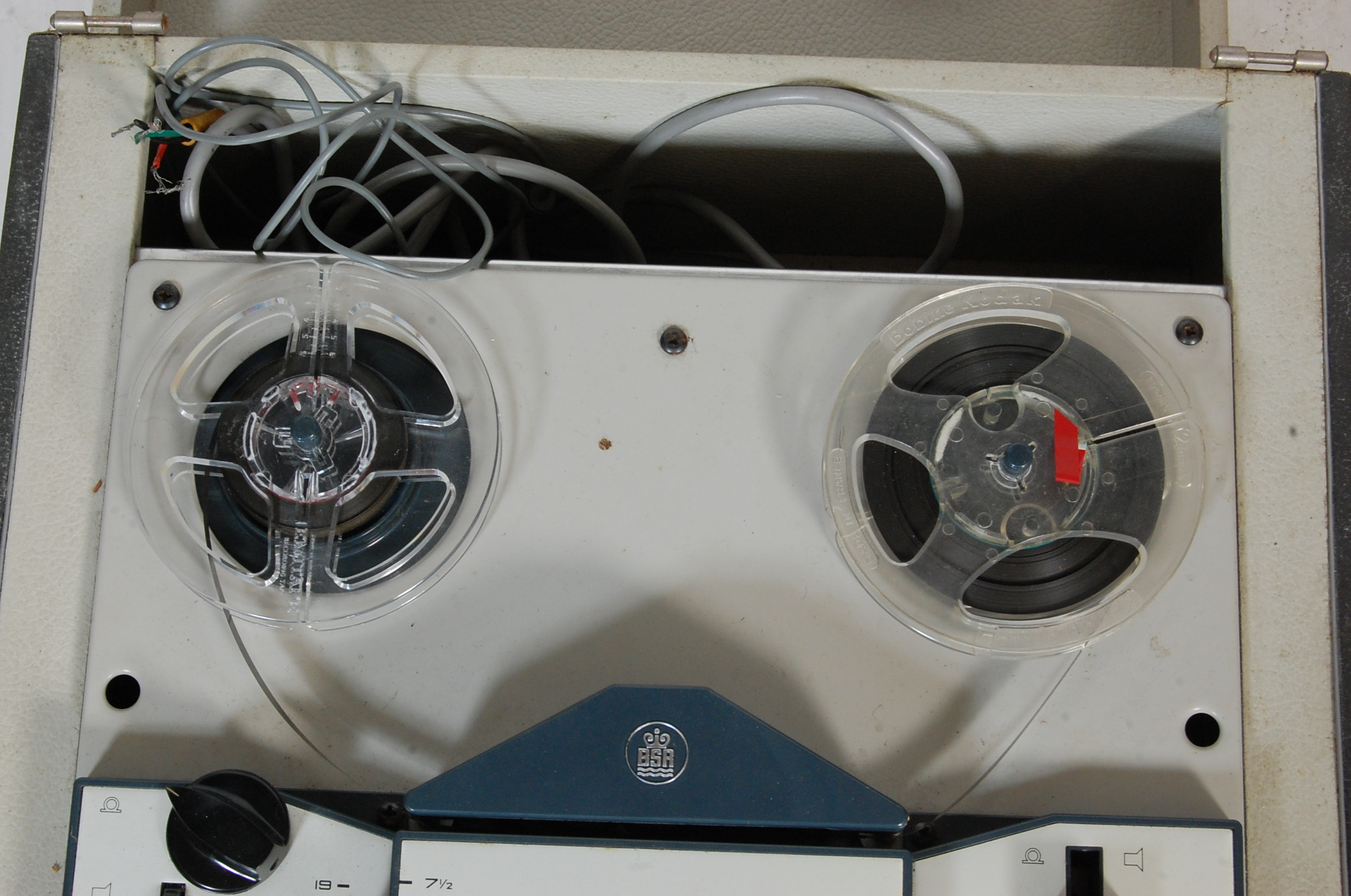 ELIZABETHAN LZ 34 REEL TO REEL PLAYER AND TAPES - Image 3 of 5