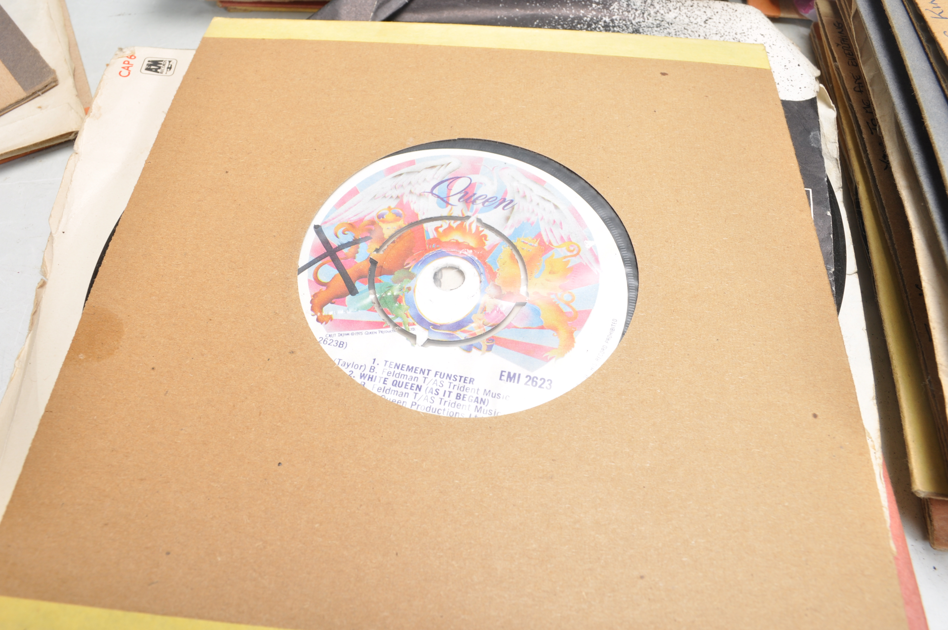 """LARGE COLLECTION OF VINTAGE VINYL 45RPM 7"""" SINGLES - Image 6 of 9"""