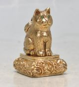 BRASS FOB SEAL IN THE FORM OF A CAT.